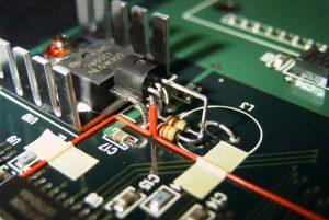 基板改造_「抵抗、リセットIC、ジャンパー線」を使っての改造