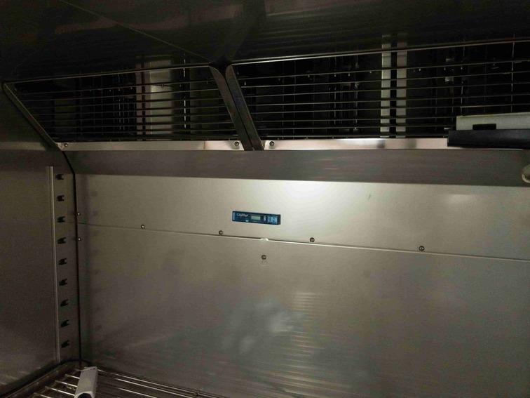 恒温槽内に設置した温湿度データロガー